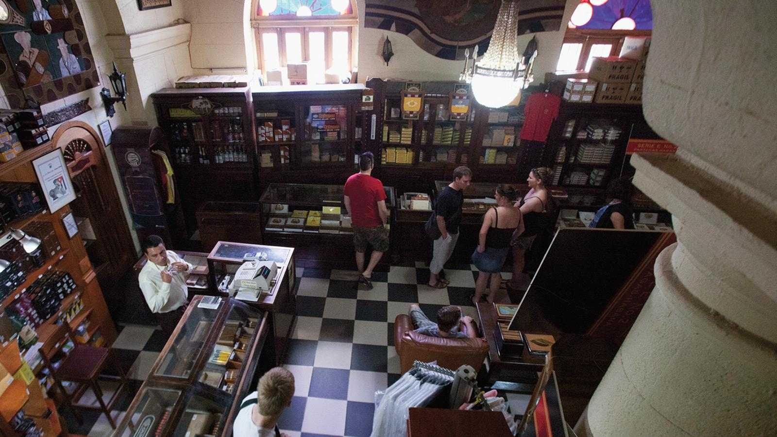 A Snapshot of Havana's Cigar Shops
