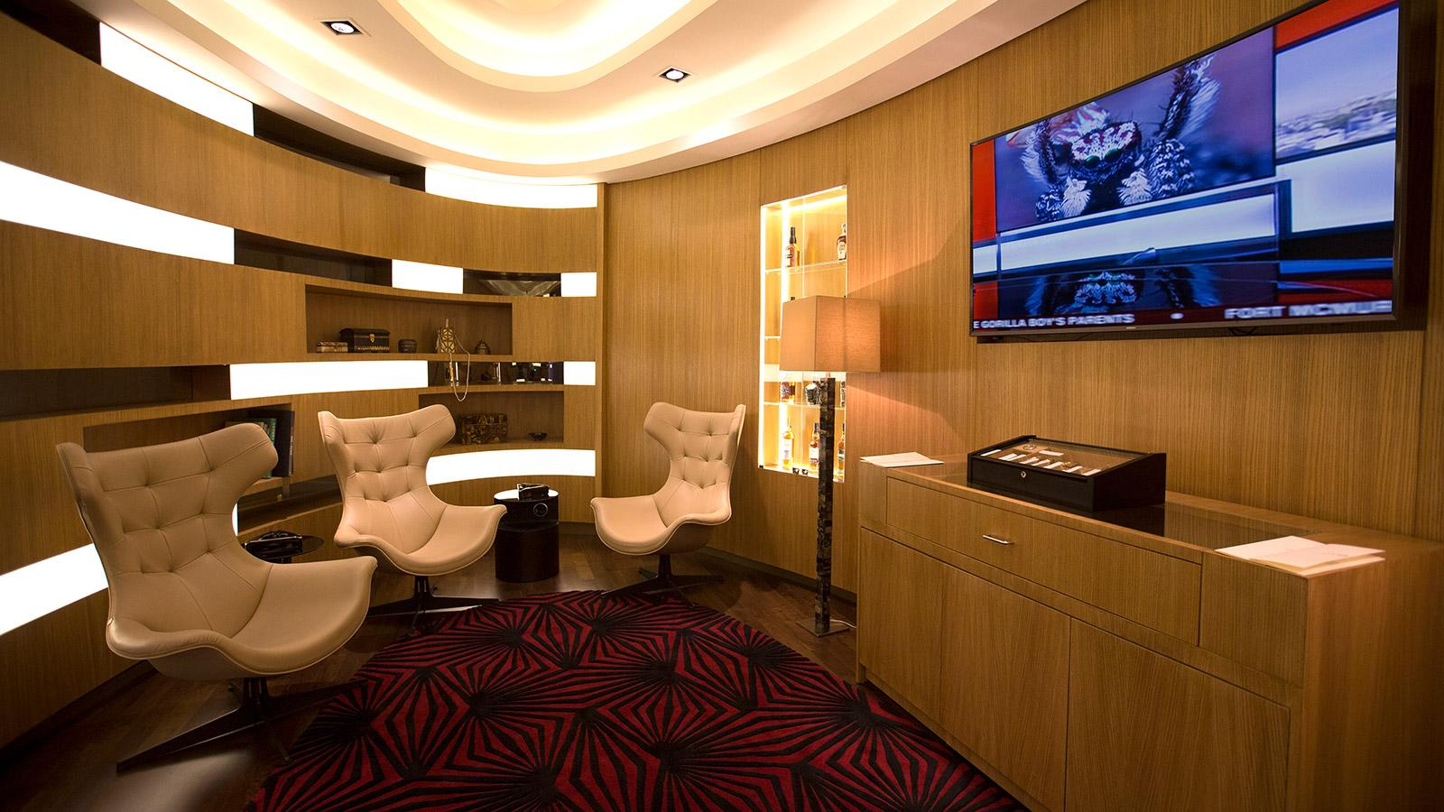 Etihad Airways Combines Cigars and First-Class Flying