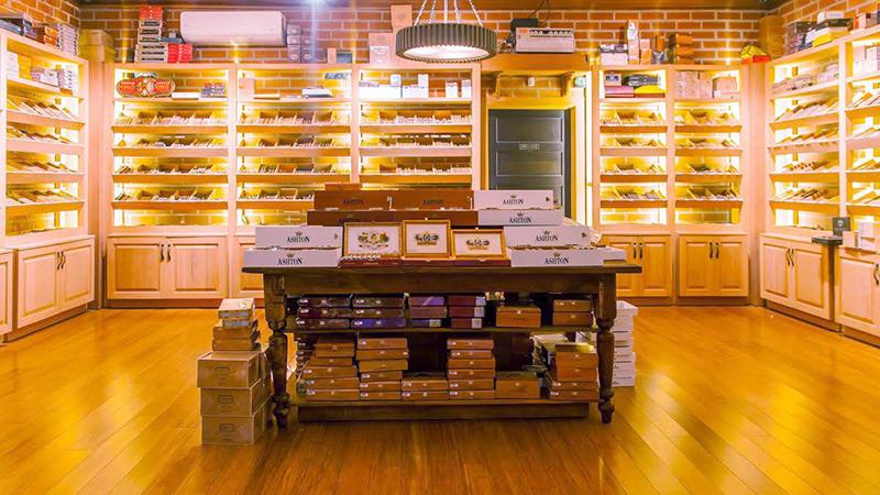 Where To Smoke: Cigar Warehouse, Sherman Oaks, California