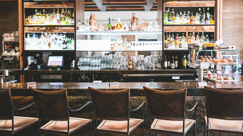 Where To Smoke: Copper Lounge at the InterContinental Hotel, Los Angeles