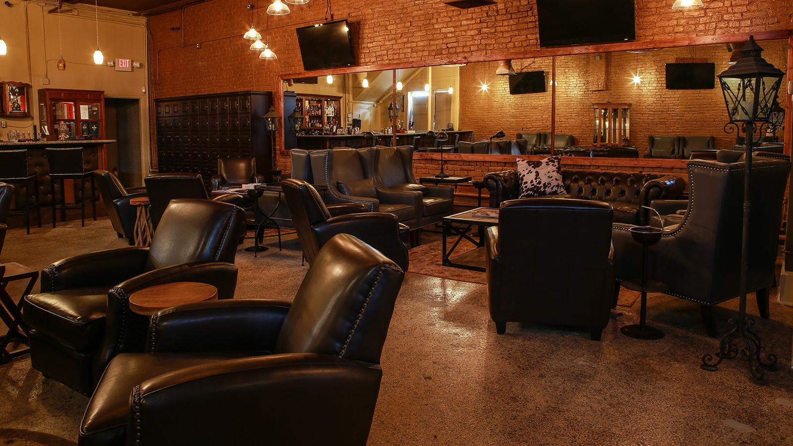 Where To Smoke Priming S Cigar Bar Amp Lounge Nashville