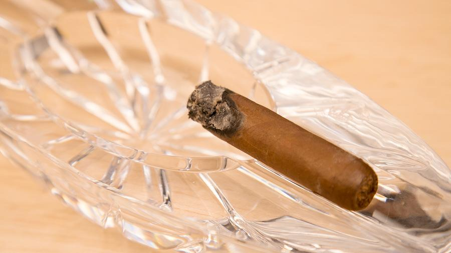 Is There A Method To Fix A Canoeing Cigar?