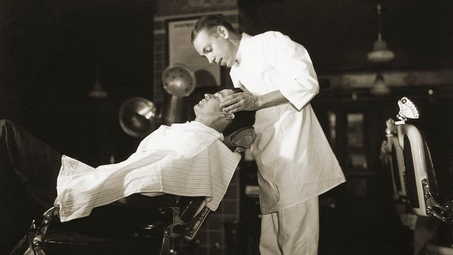Pamper Yourself With An Old-School Barber Shave