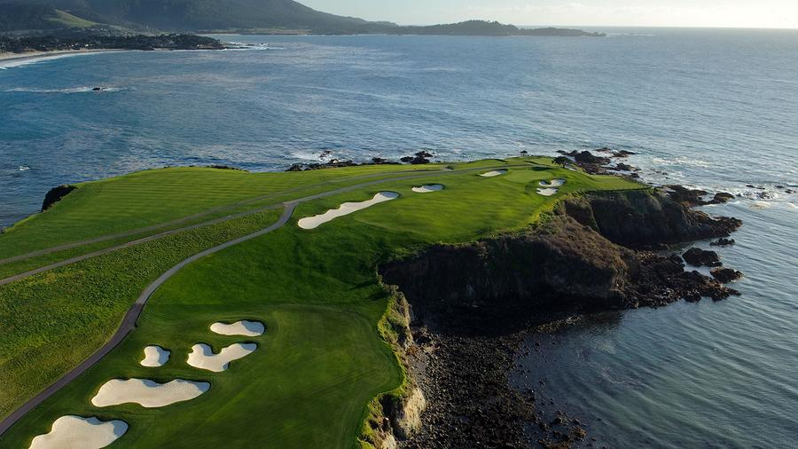 Cigar-Friendly Stays At Pebble Beach