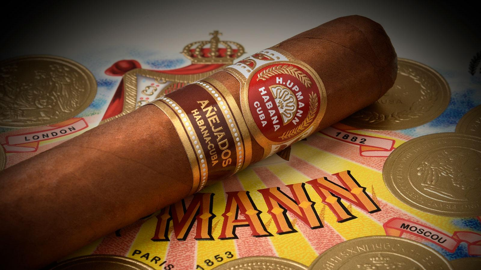 H. Upmann Robusto Añejado measures 4 7/8 inches by 50 ring gauge.