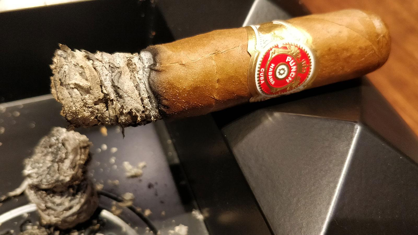 Note how this Cuban Punch burns a distinct gray ash.
