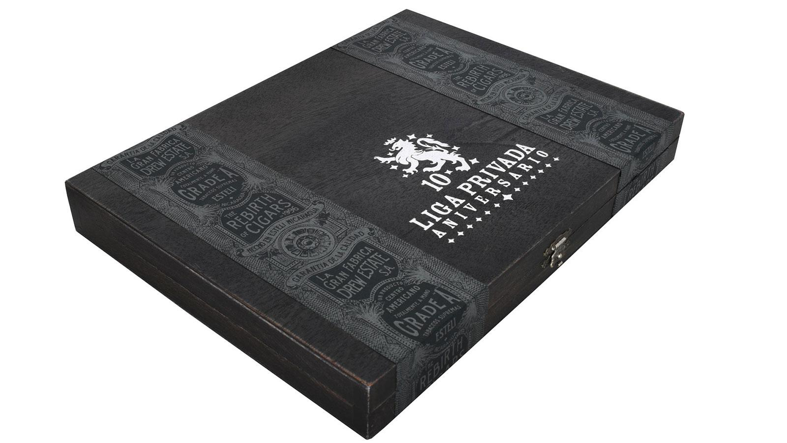 Only 1,000 boxes of Liga Privada 10-Year Aniversarios will be produced for now.