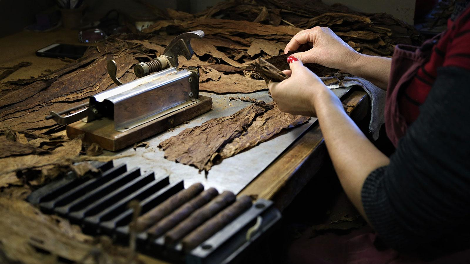 50 Factories In The U.S. That Still Make Cigars