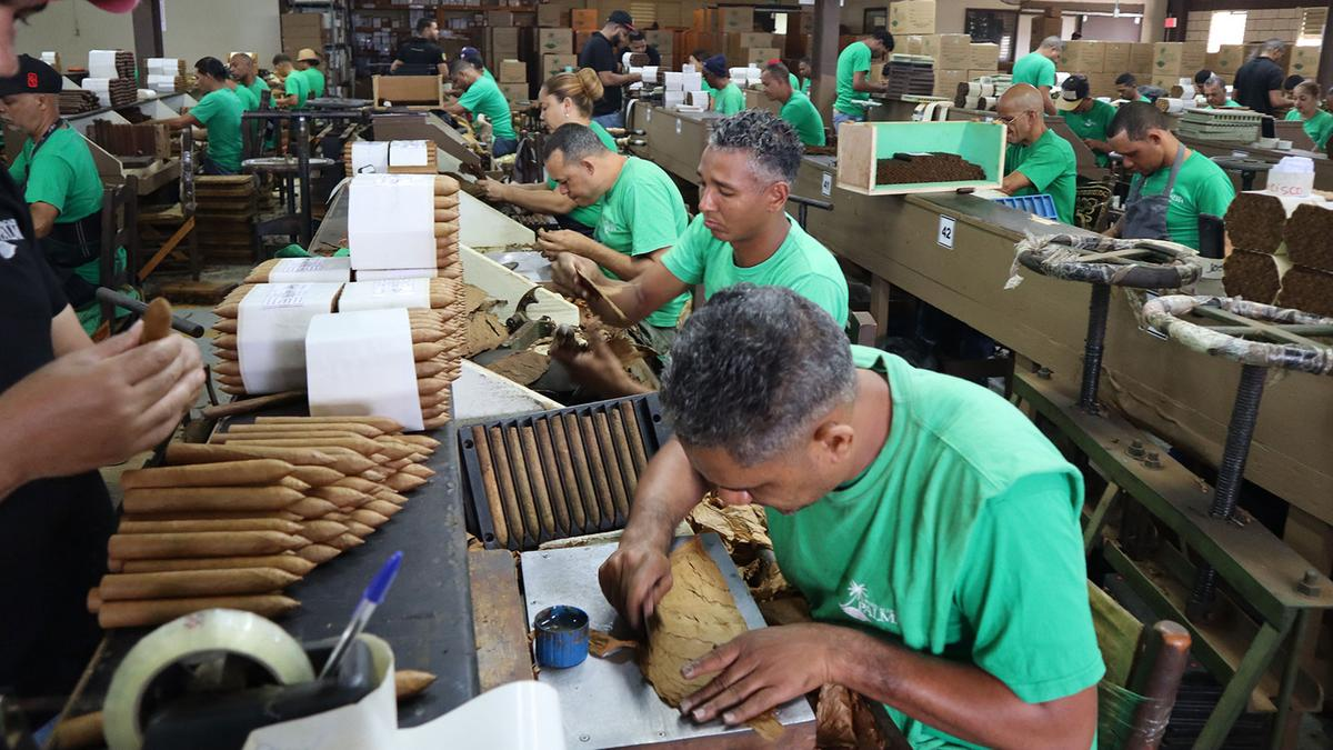 Photo Blog: Jochy Blanco's Farm & The Tabacalera Palma Cigar Factory
