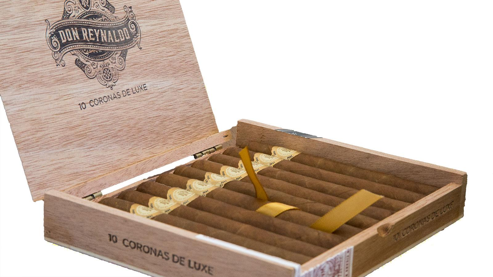 Warped Shipping Limited Don Reynaldo Coronas De Luxe