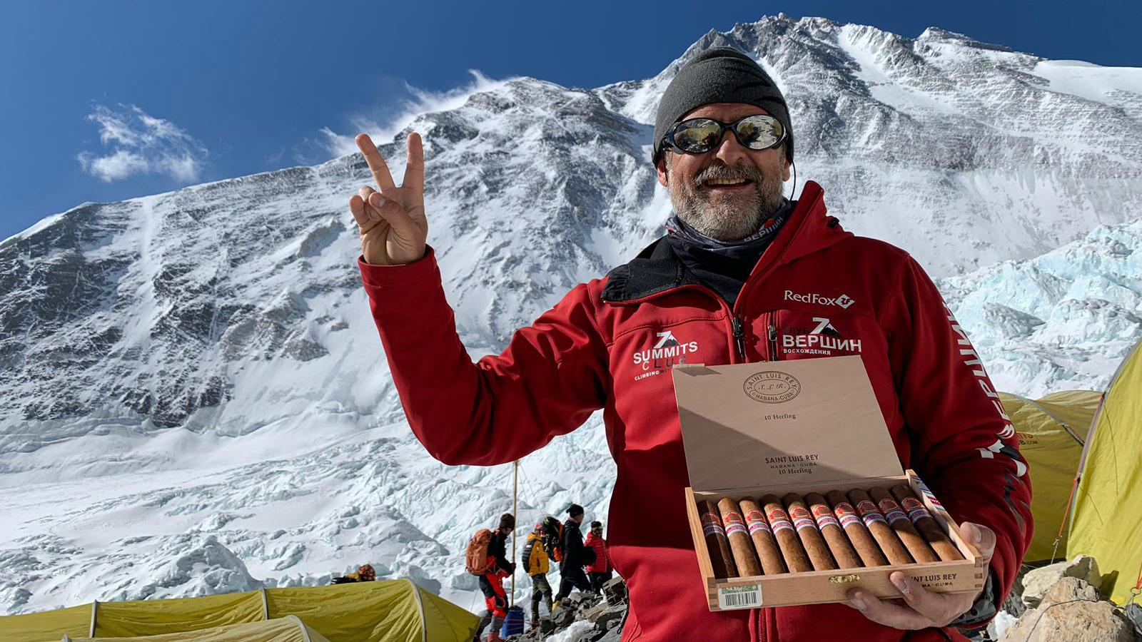 Cigars Reach The Top of Mount Everest