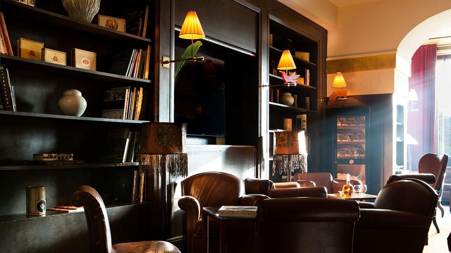Where To Smoke: Cigar Lounge, La Réserve Hotel Genève, Switzerland