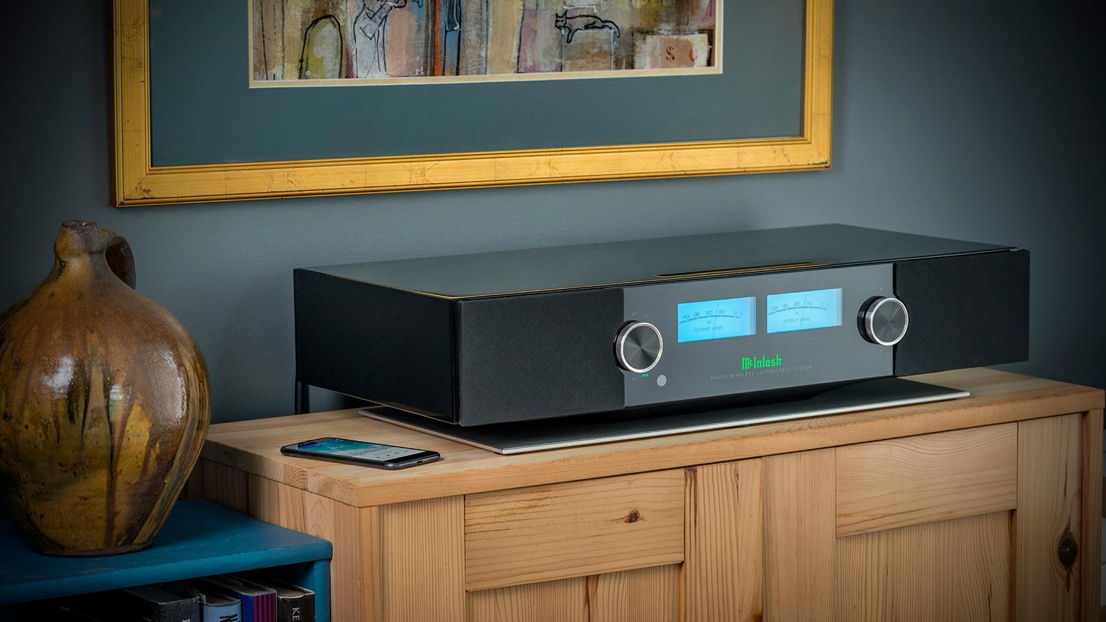 McIntosh RS200 Wireless Loudspeaker