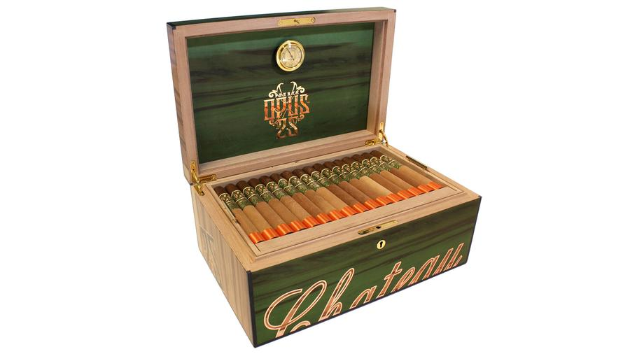 Fuente Goes Green For Opus 25