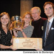 The winning team shows off their prizes with Baron Eric de Rothschild.