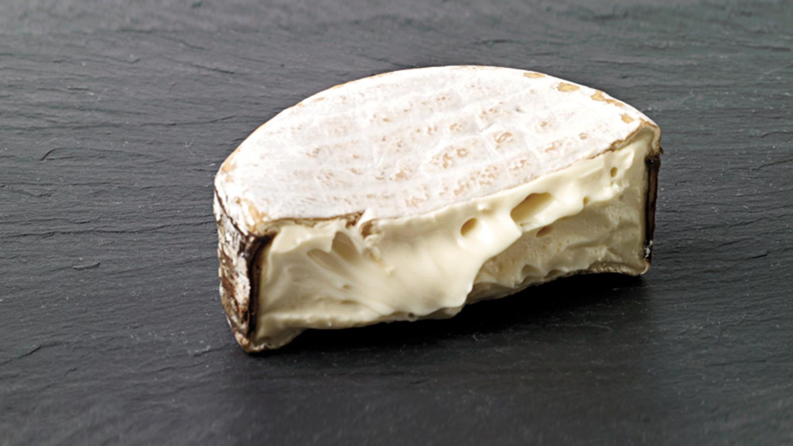 Some of the most acclaimed stinky, runny cheeses made in the U.S. come from Jasper Hill Farm.