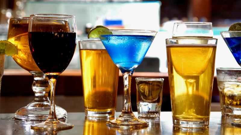 Moderate Drinking Could Bolster Good Cholesterol Levels