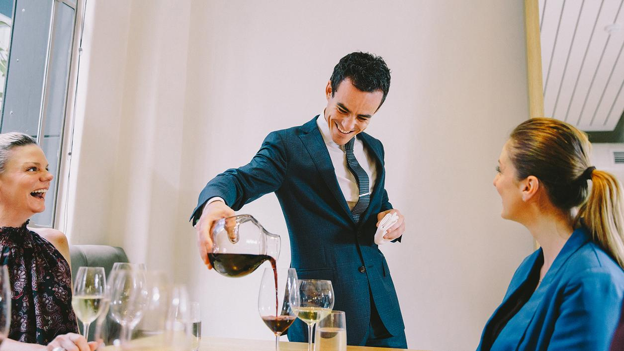 Round Table Sommelier Talk: Mind-Blowing Wine Moments