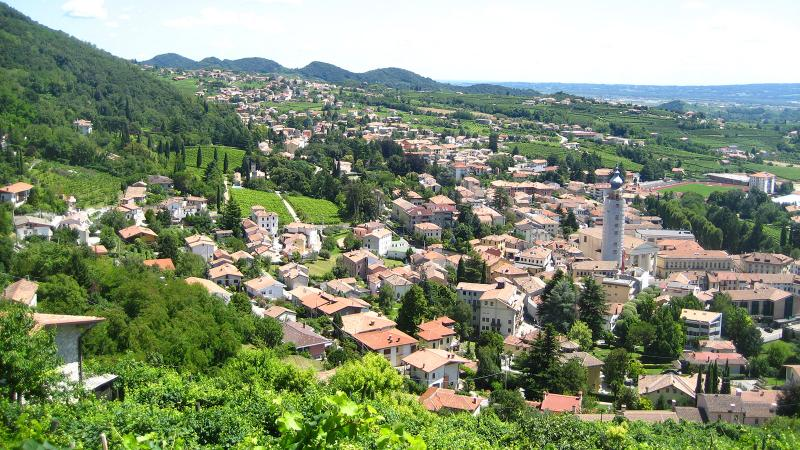 Prosecco, in the northeast of Italy, is at the forefront of sparkling wine in the country.