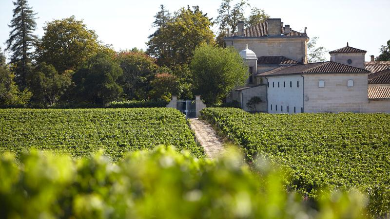 A handful of estates, like Château Figeac, are enjoying success with futures in America. Most are not.