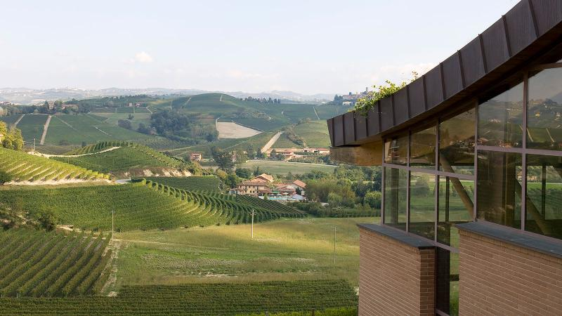 Renato Ratti makes wine from various parcels spread out across the Langhe.