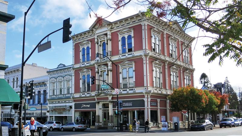 Travel Tip: Where to Dine and Taste in Petaluma