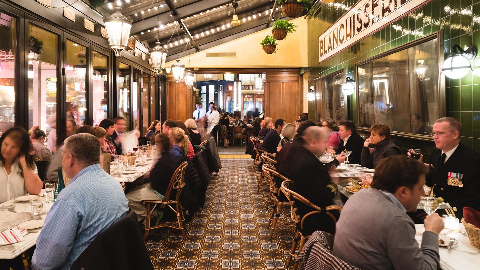 Le Diplomate dining room