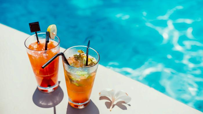 Should You Be Worried About Tainted Alcohol When Traveling?