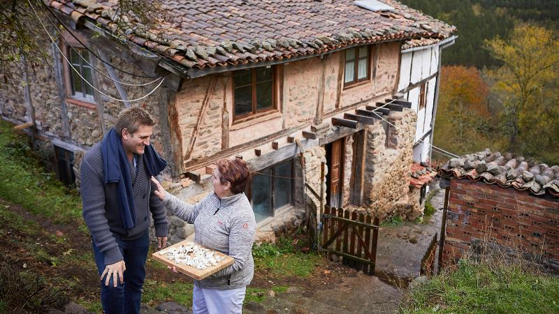 Curtis and la familia Stone: The chef meets a kindred spirit in the village of Tondeluna in Rioja, Spain.